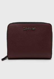 Billetera CK MUST Z/A WALLET Burdeo Calvin Klein