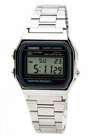Reloj Clásico Plateado Casio