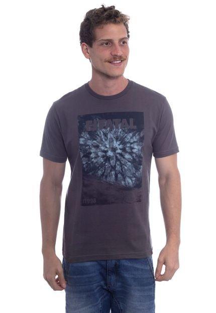 Camiseta Fatal Básica Estampada Cinza