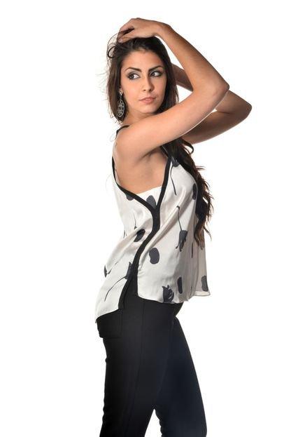 Banca Fashion  Blusa Manga Curta Banca Fashion Casual Chique Off-White EyN04